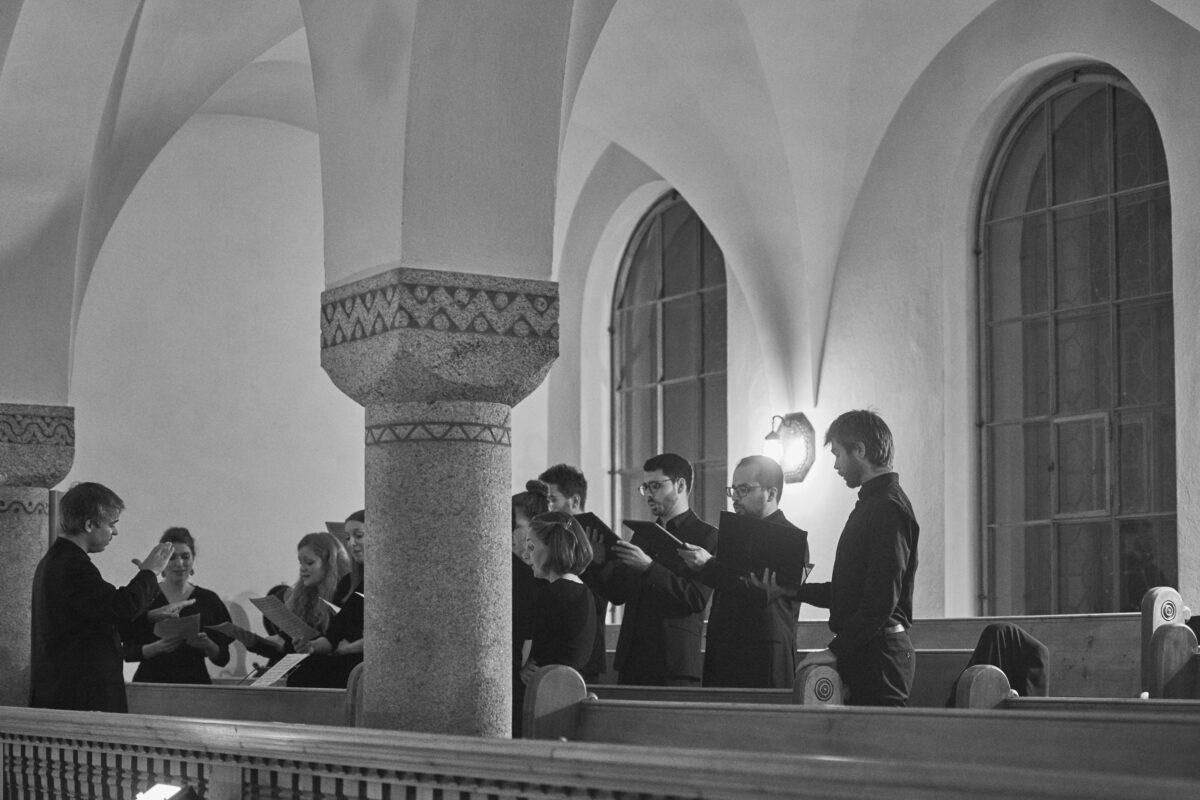 Der DAVOS FESTIVAL Kammerchor unter der Leitung von Andreas Felber am Anlass «Sinnkrise» vom Mittwoch 12. August 2020 in der Kirche St. Johann am DAVOS FESTIVAL 2020, vom 31. Juli - 15. August 2020. Thema «Von Sinnen»